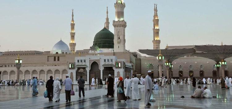 750-pelataran-masjid-nabawi-madinah